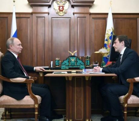 Министр просвещения России Сергей Кравцов на встрече с Президентом России Владимиром Путиным